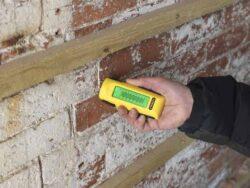 STANLEY 0-77-030 Kontaktní vlhkoměr-Kontaktní vlhkoměr na dřevo a stavební materiály